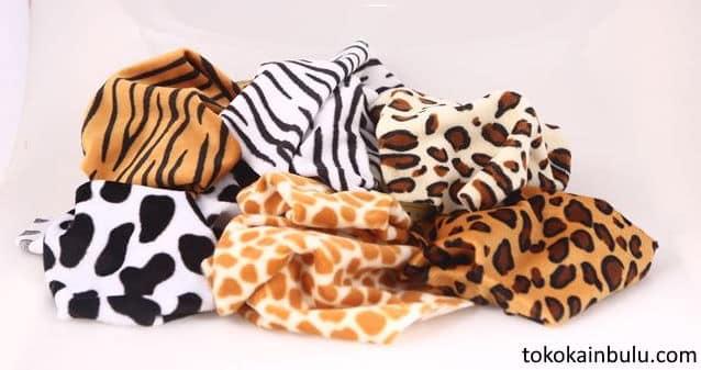 kain velboa motif bulu hewan